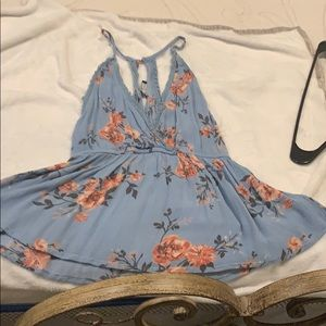 🌺3 for $25 SALE Kendall and Kylie floral tank 🌸